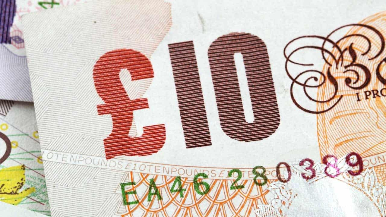 A UK bank note.