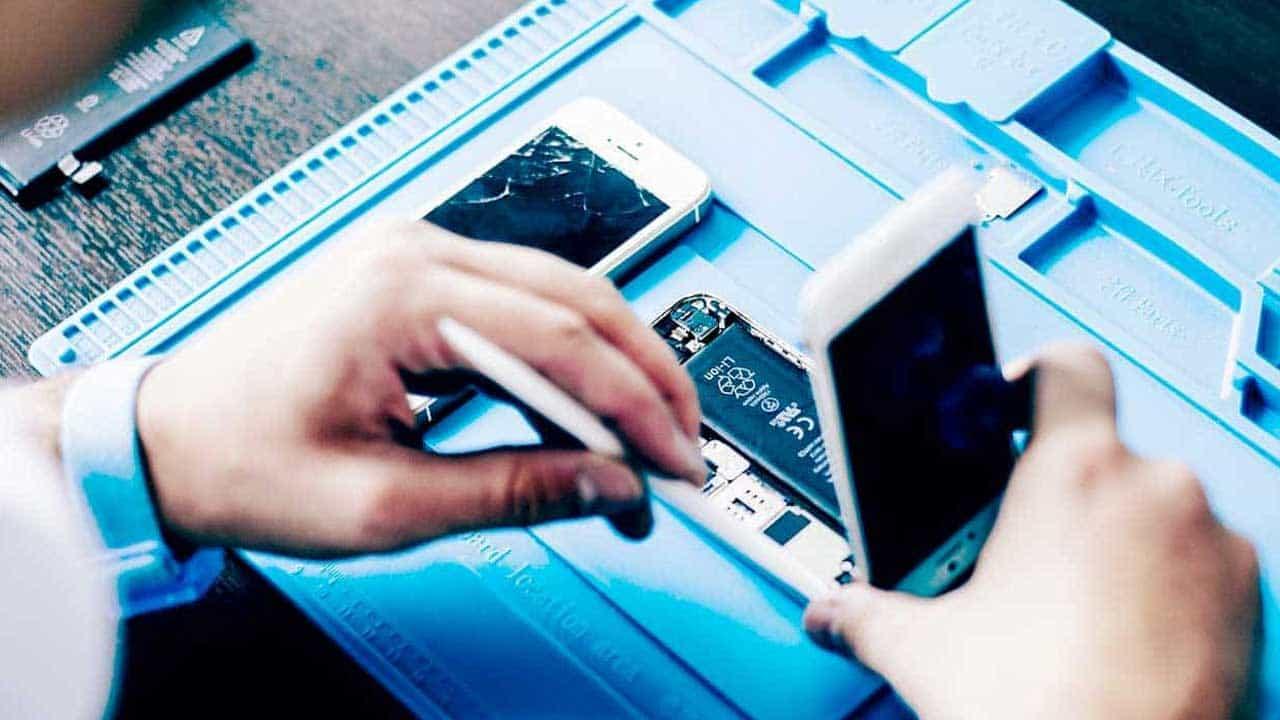 iPhone repair Dereham screen replacement service.