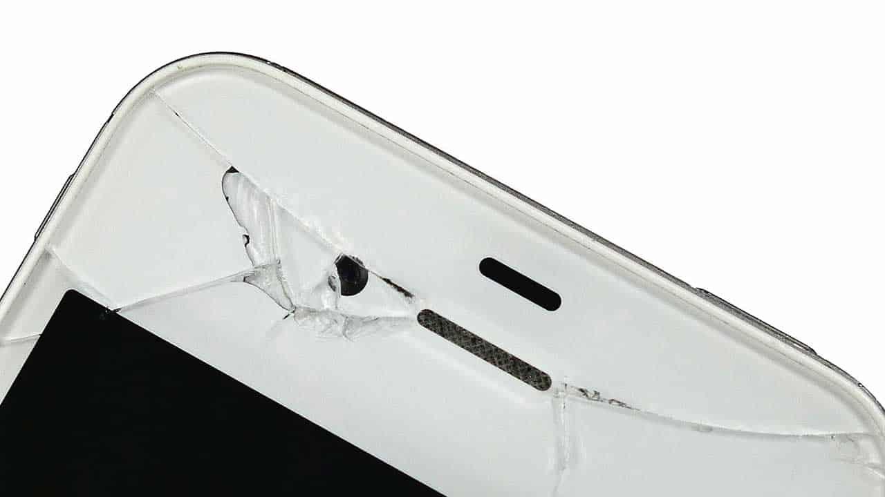 iPhone repair Taverham screen replacement for broken glass.