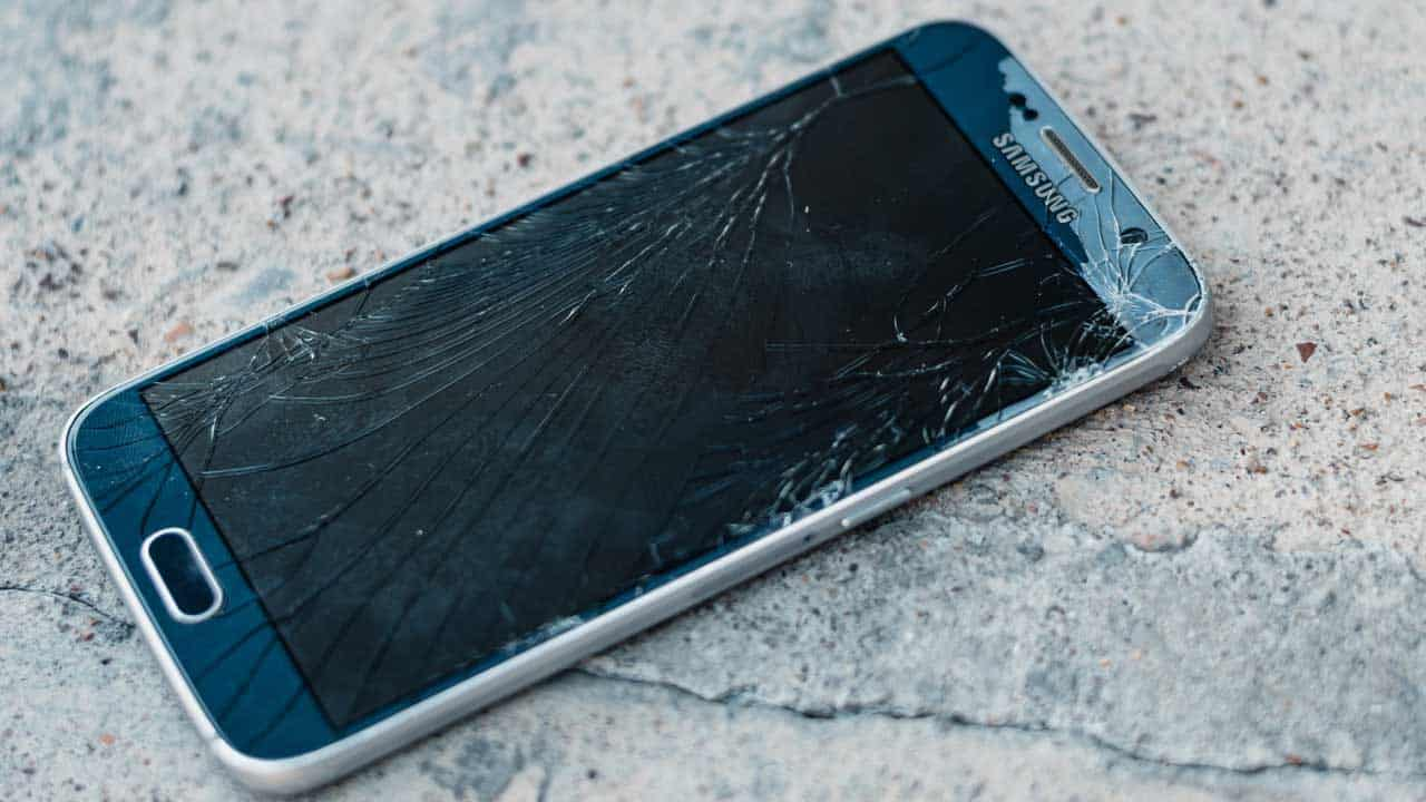 Mobile phone repair cracked screen replacement needed because the glass is broken.