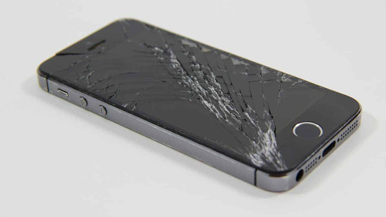 A quick iPhone screen repair for spider cracks across the display.